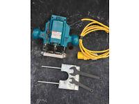 Makita 3620 1/4in Plunge Router 110V
