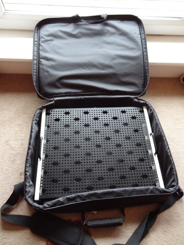 temple audio trio 21 guitar effects pedal board with soft carrier case in craigmillar. Black Bedroom Furniture Sets. Home Design Ideas