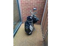 Men's right handed golf set
