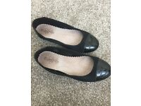 Black flat Dolly Shoes size 4