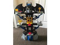 maginext DC Super Friends Transforming Batcave