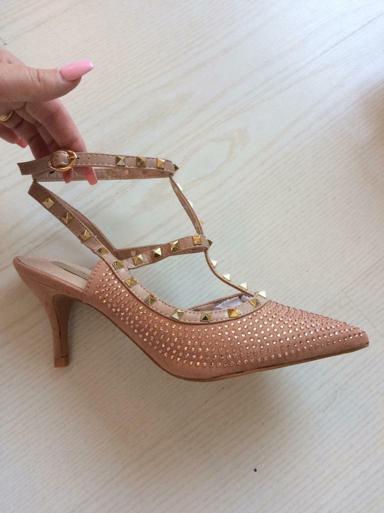 * Women's Mid Heel Pink Diamanté Studded Shoes ~ Size 8/41 *