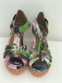 Girls brand new River Island wedges size 2