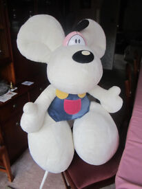 IDEAL CHILDRENS XMAS GIFT - Diddl Giant Mouse (Childrens Soft Toy) (Price Reduced)