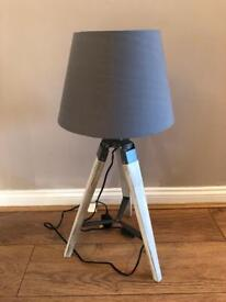 Beach washed wooden Tripod Lamp *OTRO*