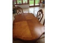 Dining room table (extendable) and 6 chairs