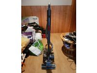 Dyson DC22 Multi Floor Medium-sized Lightweight Cylinder Vacuum Cleaner