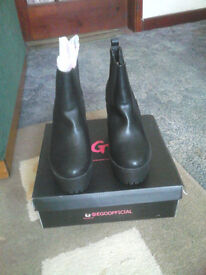 For Sale - Ego Ladies Boots Size 6 New In Box