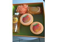 Body shop new luxury ladies mango large size gift set .
