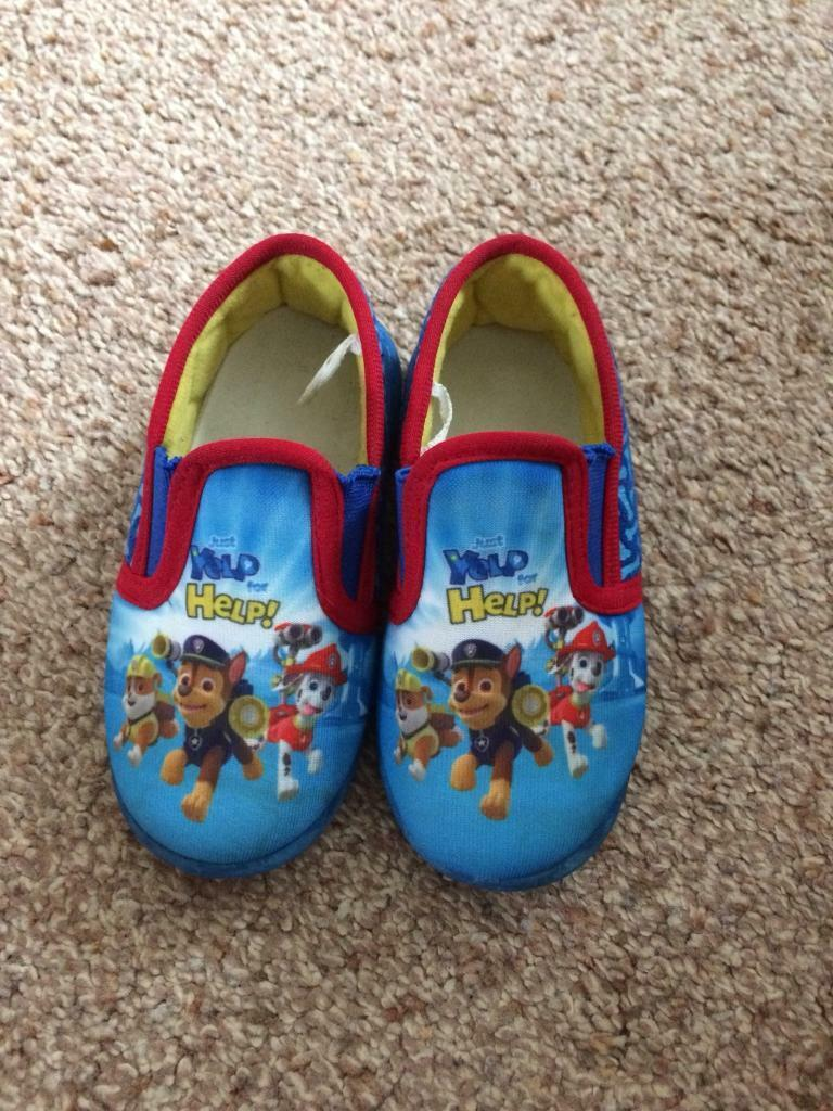 Paw patrol slippers size 7 in very good condition