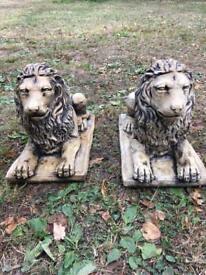 Pair Lion Garden Ornament.