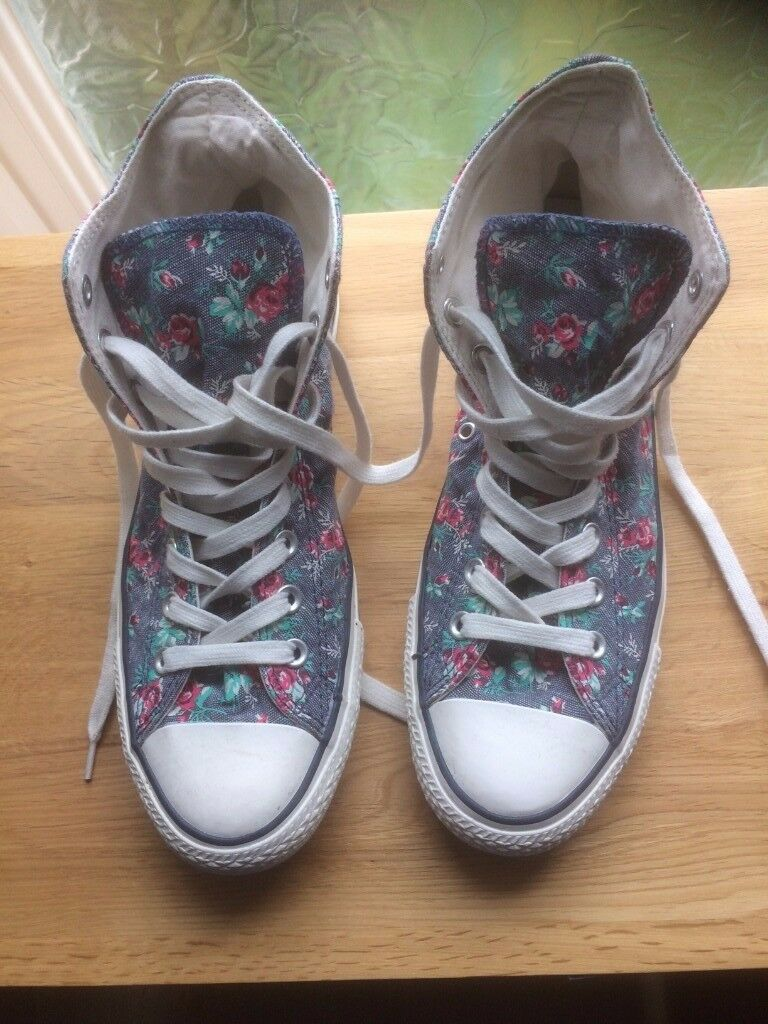 Converse - hardly worn - ankle trainers shoe, denim floral pattern, rare design 8.5UK / 42 EUR