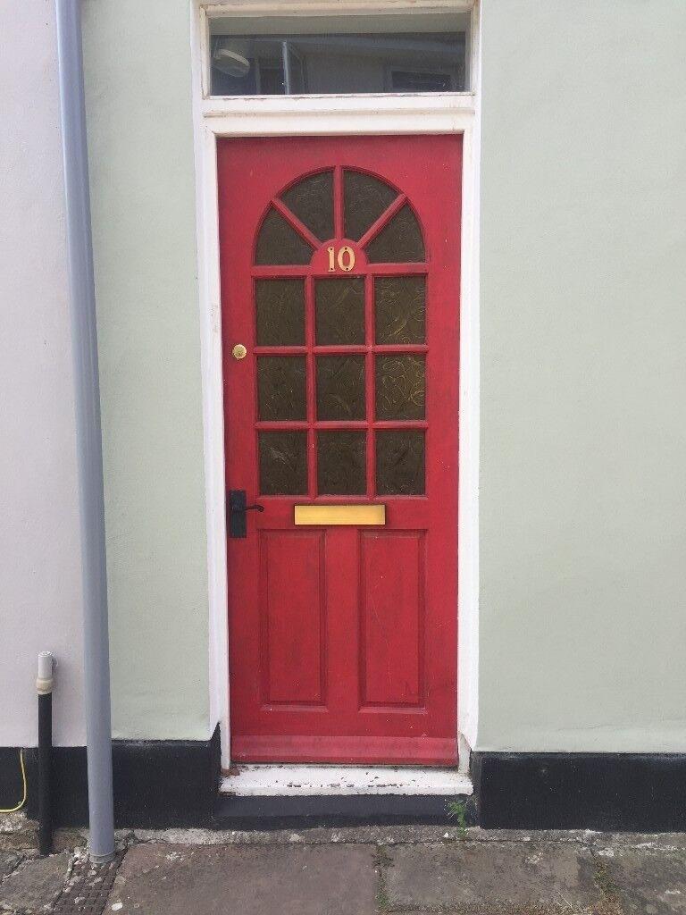 Hard Wood Front Door With All Furniture In Cheltenham