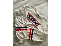 """""""Queens"""" White H&M graphic cropped jumper"""