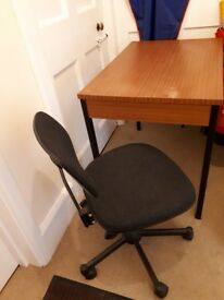 Wooden desk/table great condition