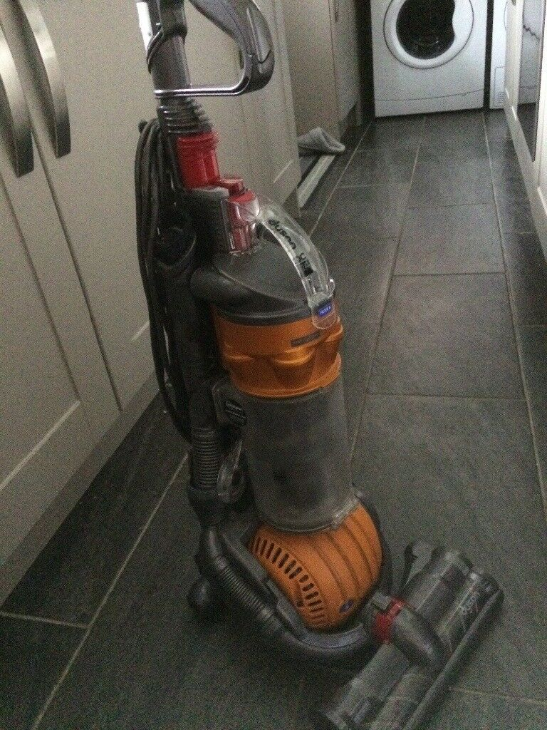 Dyson hoover- For spares/repairs   in Houghton Le Spring, Tyne and Wear    Gumtree