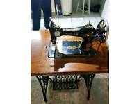Singer sewing machine 1920s
