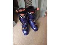 Ski race boots - size 8/9