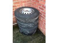 Tyers and wheels of Mitsubishi l200