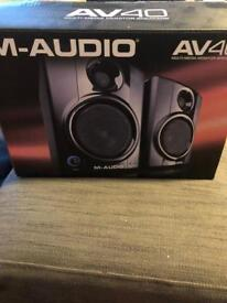 M-Audio AV40 multimedia monitor speakers