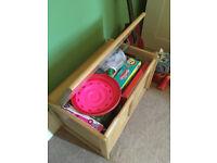 Child toybox - pine