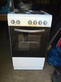 ELECTRIC COOKER GOOD CLEAN CON READY TO USE £65