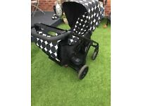 Mamas and papas sola pushchair buggy stroller black and white
