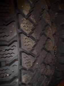 2 pneus d'hiver 195/65/15 Pacemark Snowtrakker