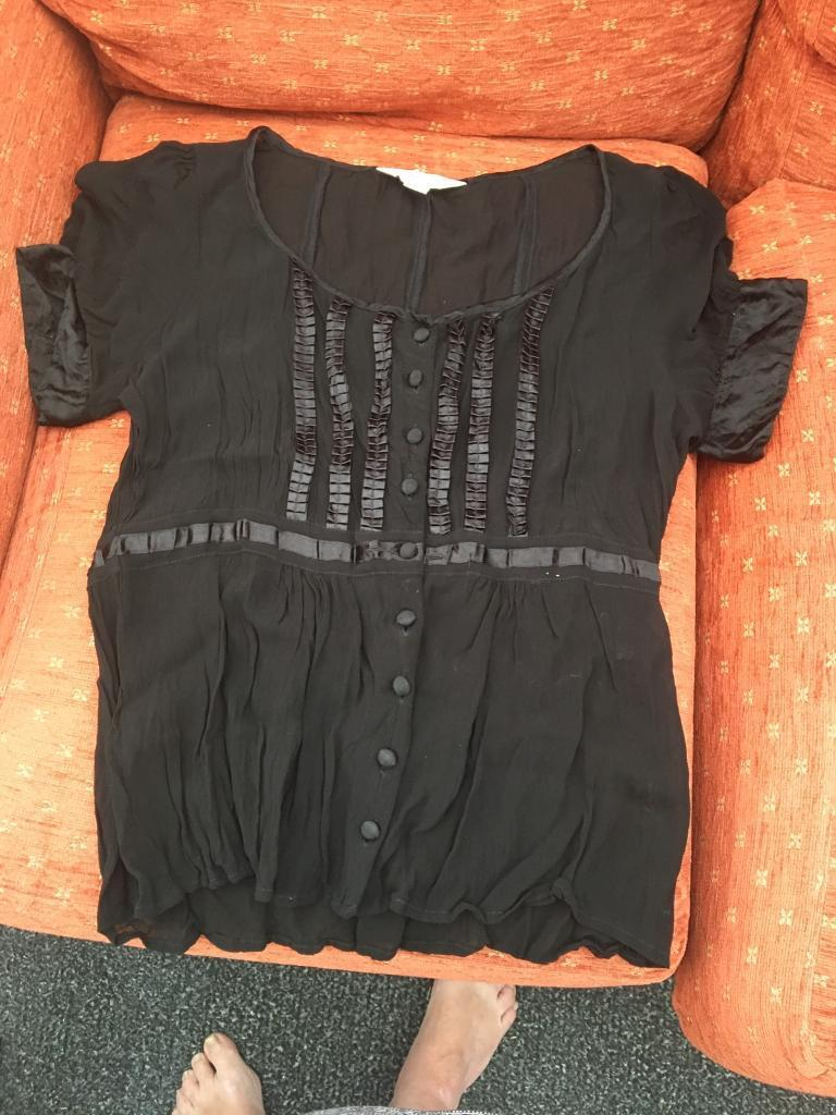 Blouse Next size. 12in Wakefield, West YorkshireGumtree - Black blouse with black ribbon details Short puff sleeves. Like new. Only worn a few times Next size 12