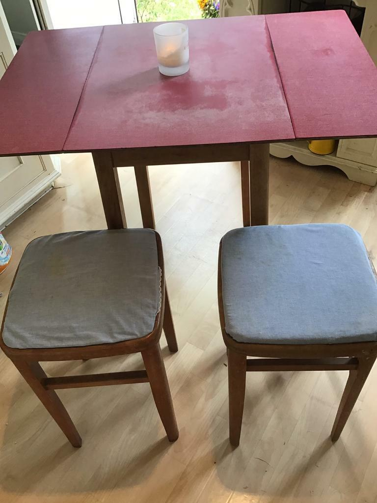 Lovely Retro Formica Table And Stools