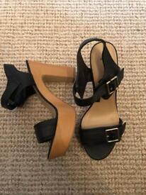 BRAND NEW Black chunky heels