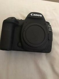 Canon 5D mark IV- NO DELIVERY UK MODEL MEET TO COMPLETE SALE
