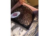 Leopard print bras 85D
