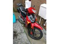 2014 Peugeot Vox 110cc semi automatic moped, 100 mpg