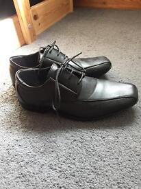 Boys /Mens shoes size 7 worn once