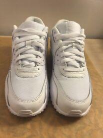 White Nike Air Max 90s Size 5 *LIKE NEW*