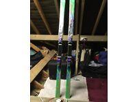 Dynastar Mens skis (Radical) plus Tyrolia 580 bindings. Bag available for separate price
