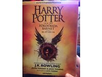 Harry Potter and the Cursed Child - in Swedish
