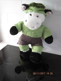"""OFFICIAL BUILD A BEAR """"COW"""" as a Super Hero Like Incredible Hulk BEAUTIFUL COND Great Gift +FREE toy"""
