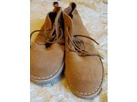 Desert boot size 6
