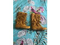 Various womens boots sizes 3 & 4