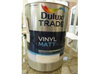Dulux Trade Vinyl Matt Emulsion paint