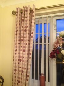 Lined curtains, eyelet topped
