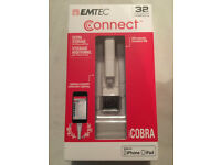 iphones, ipods & ipads. Additional/extra Storage. 32gb Emtec Connect iCobra NEW £15 will post.