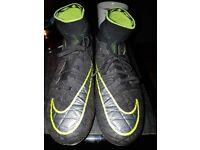 Nike hyperve boys football boots