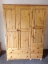 Solid pine triple wardrobe with 5 drawers