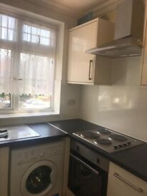 Lovely one bed room to rent in Greenford. DSS applicants accepted.£1125 pcm.Shops restaurants nearby