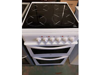 indesit 50cm ceramic cooker in white perfect working order very clean