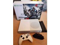 Xbox One S 1TB Fully Boxed, With BF1, Dead Rising 4 and Vertical Stand Excellent Condition No Swaps