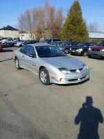 2001 Pontiac Sunfire seulement 98 000 km